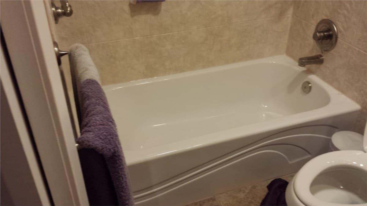 bathtub remodeling - after 3