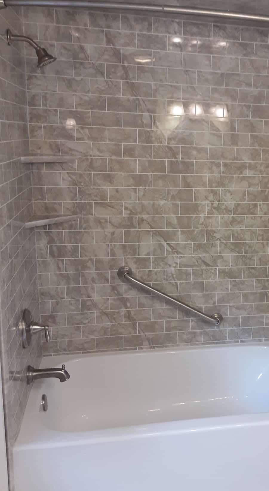 bathtub remodeling - after 8